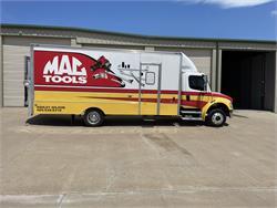 M2 Freightliner 20' box