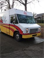 Well maintained 16' Freightliner Step Van